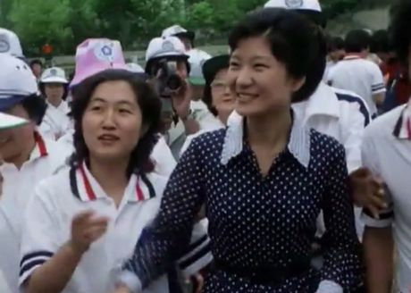 Dong ho bi an chi phoi 2 doi tong thong Han Quoc - Anh 5