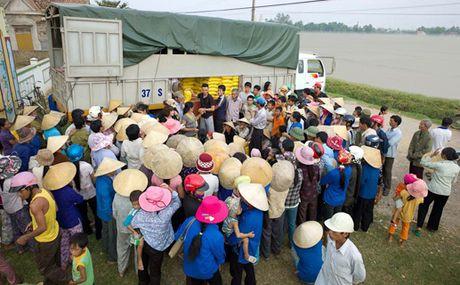 Ninh Thuan ho tro mien Trung 200 trieu dong khac phuc mua lu - Anh 1