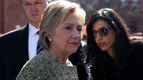 'Bom tan' email ca nhan khien ba Clinton chao dao truoc ngay bau cu - Anh 1