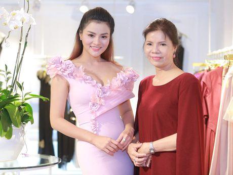 Vu Thu Phuong rang ro ben chong va 2 con gai - Anh 3