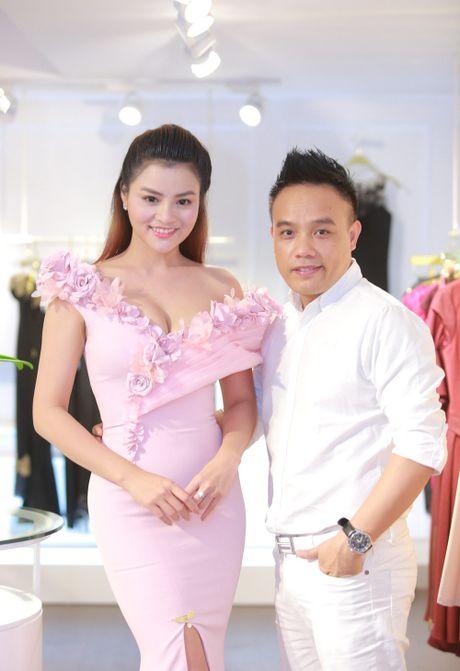 Vu Thu Phuong rang ro ben chong va 2 con gai - Anh 8