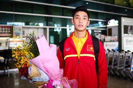 U19 Viet Nam duoc chao don nong nhiet duoi mua tam ta - Anh 8