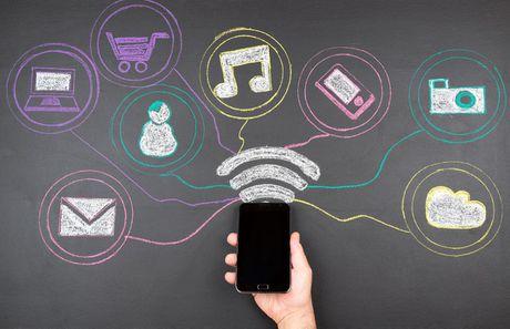 Nguoi dan TP HCM co the lam ho chieu truc tuyen; iPhone 7 chinh hang gia tu 18,8 trieu dong - Anh 3