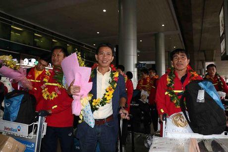 U19 Viet Nam rang ro ngay tro ve - Anh 4