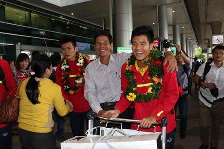 U19 Viet Nam rang ro ngay tro ve - Anh 8
