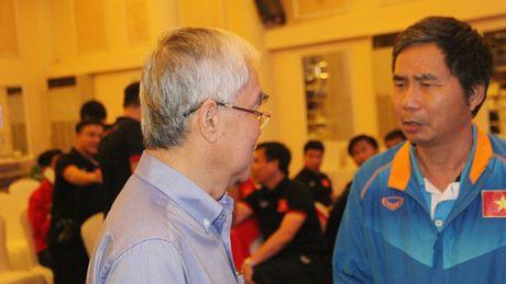 Chu tich VFF Le Hung Dung: 'Tung co nguoi bao toi nen thay HLV Hoang Anh Tuan' - Anh 1
