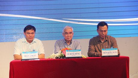 Chu tich VFF Le Hung Dung: 'Tung co nguoi bao toi nen thay HLV Hoang Anh Tuan' - Anh 2