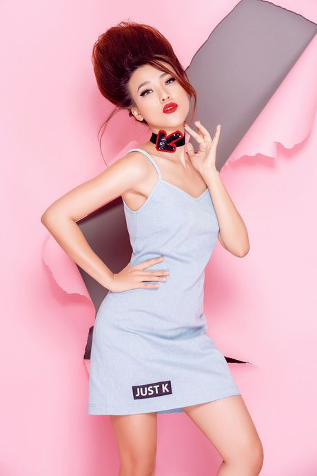 Tro thanh 'pop - art lady' sieu nghich ngom nhu A hau Hoang Oanh - Anh 1