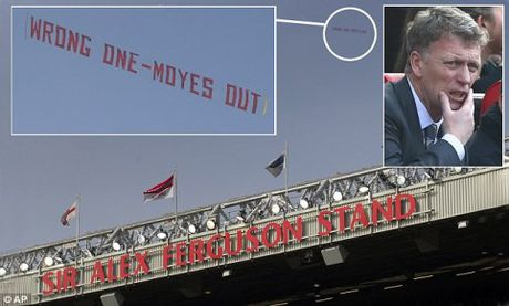 CDV Man United tinh cho Mourinho 'chung canh ngo' voi David Moyes - Anh 3