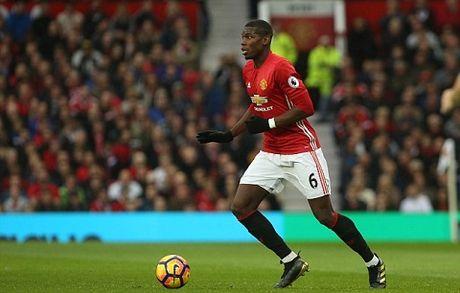 Man United le ra nen chieu mo Kante, thay vi 'nuong tien' vao Pogba - Anh 1