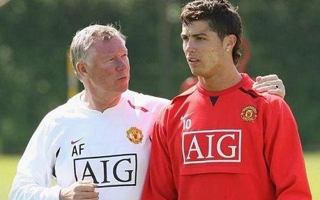 Sir Alex Ferguson khang dinh khong ai vuot duoc Ronaldo de gianh Qua bong vang - Anh 1