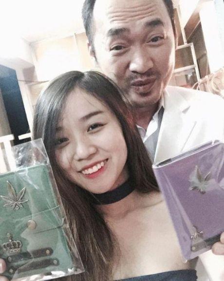Hoai Lam bat ngo cong khai ban gai xinh dep, la chau gai nghe si Quoc Bao - Anh 9
