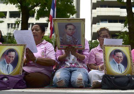 Quan doi Thai Lan tham gia giam sat noi dung phi bang hoang gia - Anh 1