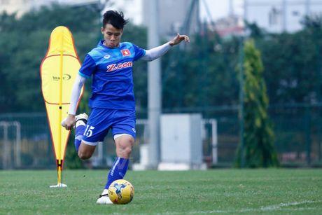 Huu Thang: Doi tuyen khong chiu ap luc vi U19 Viet Nam toi World Cup - Anh 2