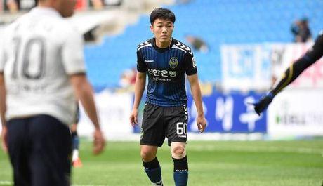 VFF va Incheon United bat dong vi Xuan Truong 'co gia' - Anh 1