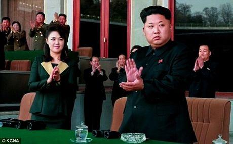 Vo Kim Jong-un vang mat 7 thang vi mau thuan gia dinh? - Anh 2