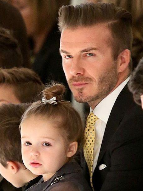 'Co gai' khien Beckham bo su nghiep ngay cang xinh yeu - Anh 12
