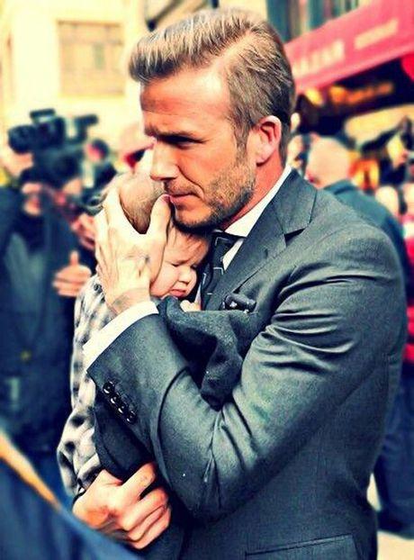 'Co gai' khien Beckham bo su nghiep ngay cang xinh yeu - Anh 14