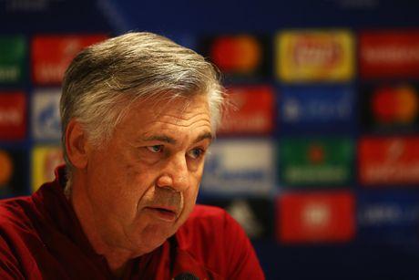 Tap luyen hang say, thay tro Ancelotti quyet tam ha guc PSV - Anh 10
