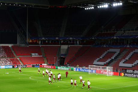 Tap luyen hang say, thay tro Ancelotti quyet tam ha guc PSV - Anh 6