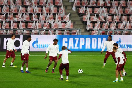 Tap luyen hang say, thay tro Ancelotti quyet tam ha guc PSV - Anh 7