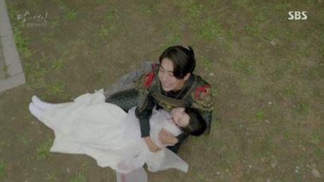 Nguoi tinh anh trang tap 19: IU ket hon voi em trai Lee Jun Ki, Seohyun tu van - Anh 15