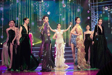 MC Thanh Mai mua quat va giu vi tri vedette cho bo suu tap Tang Thanh Cong - Anh 8