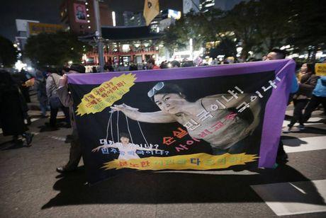 Be boi chinh tri Han Quoc lan rong - Anh 1