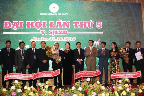 Hoi Nguoi Viet Nam tai Sec: BCH khoa 5 hung manh voi 101 uy vien - Anh 3