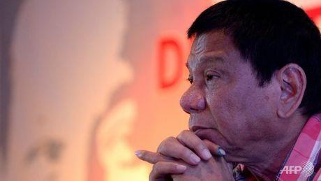 Tong thong Philippines Duterte doi mat voi cuoc chien sinh tu - Anh 1