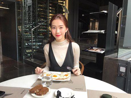Sao Viet 1/11: Truong Quynh Anh cosplay 'co be Vo Dien', Hong Que diu dang ben con - Anh 6