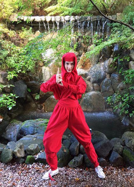 Sao Viet 1/11: Truong Quynh Anh cosplay 'co be Vo Dien', Hong Que diu dang ben con - Anh 8