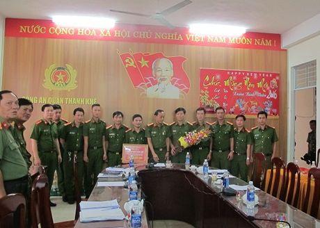 Khen thuong Ban chuyen an pha duong day danh bac quy mo - Anh 1