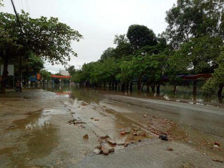 'Lu chong lu', 21.000 hoc sinh o Huong Khe, Ha Tinh phai nghi hoc - Anh 2