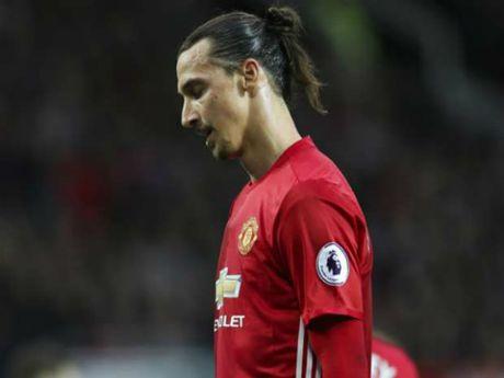 "MU: Ibrahimovic tit ngoi nhung se som ""thong nong"" tro lai - Anh 1"