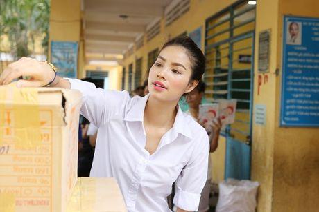 Pham Huong dep tung mi li met khi mix so mi trang - Anh 5