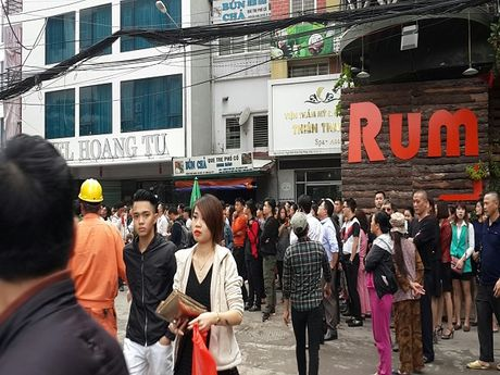 Can canh hien truong vu chay lon o Tran Thai Tong - Anh 7