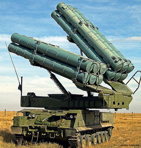 Ten lua phong khong Buk-M3 cua Nga khien doi phuong khong kip tro tay - Anh 1