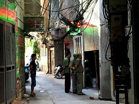 Ba nghi can tham gia ban chet nam le tan nha nghi bi bat - Anh 1