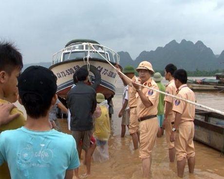 Cong an Quang Binh chu dong phuong an doi pho voi lu kep - Anh 1