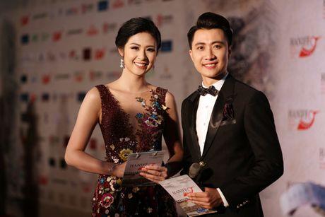 Angela Phuong Trinh sexy du Lien hoan phim quoc te Ha Noi - Anh 10