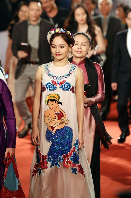 Angela Phuong Trinh sexy du Lien hoan phim quoc te Ha Noi - Anh 20
