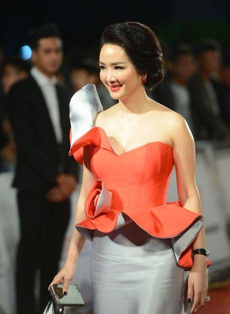 Angela Phuong Trinh sexy du Lien hoan phim quoc te Ha Noi - Anh 7