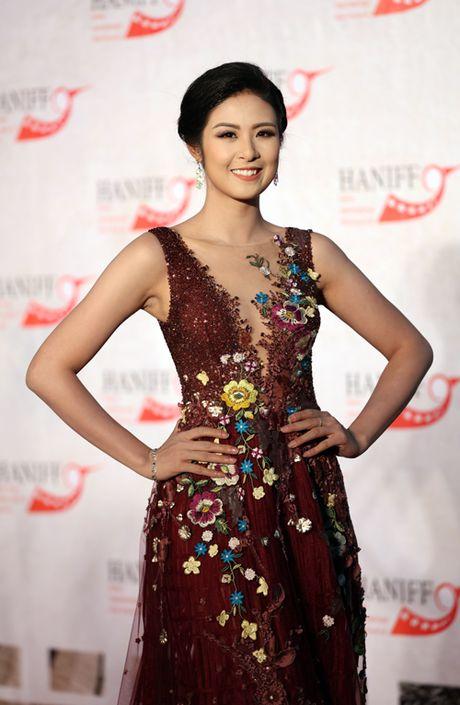 Angela Phuong Trinh sexy du Lien hoan phim quoc te Ha Noi - Anh 9