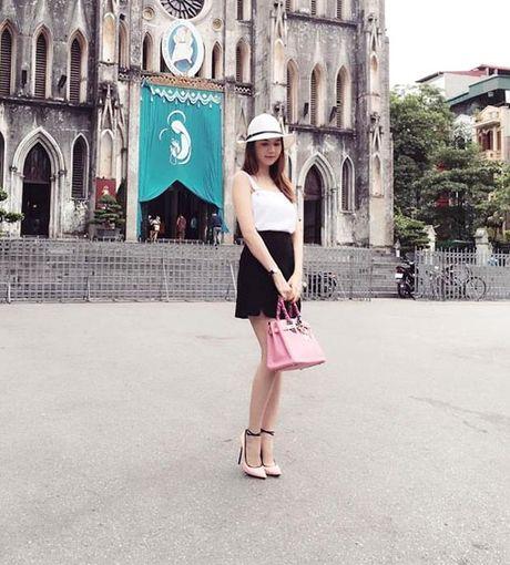 Minh Hang chat lu, Chung Huyen Thanh khoe chan dai sexy - Anh 14