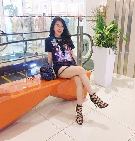 Minh Hang chat lu, Chung Huyen Thanh khoe chan dai sexy - Anh 4