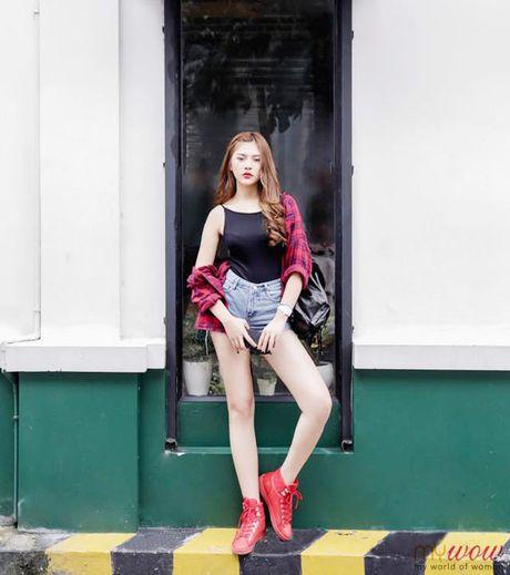 Minh Hang chat lu, Chung Huyen Thanh khoe chan dai sexy - Anh 9