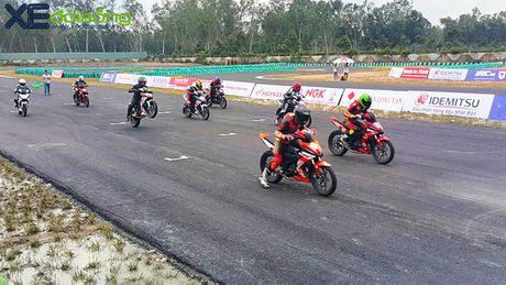 Honda ho tro giac mo the thao dua xe tai Viet Nam bang giai dua chuyen nghiep - Anh 1