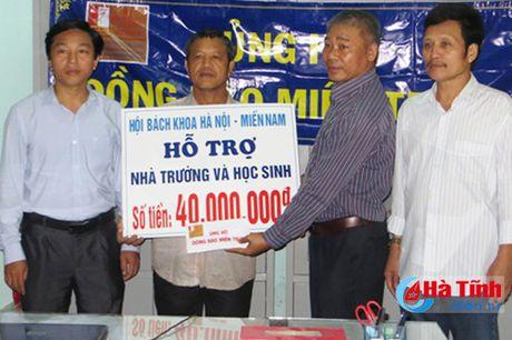 Dien vien Binh Minh chia se kho khan voi ba con vung lu Ha Tinh - Anh 7