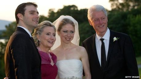 Vu be boi email cua Clinton duoi goc nhin quan ly CNTT - Anh 1
